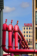 Ben and Raisa Gertsberg - Potsdamer Platz Pink Pipes In Berlin